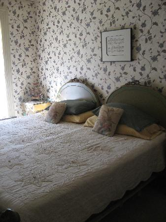 Prospect Place Bed and Breakfast: Our room