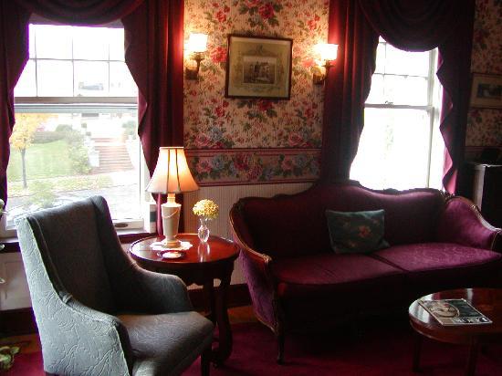 写真Olcott House Bed and Breakfast Inn枚