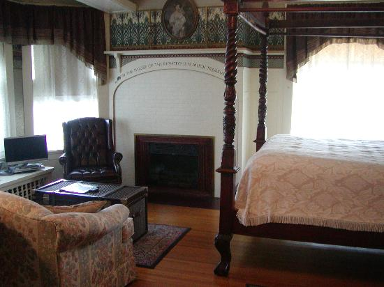 Olcott House Bed and Breakfast Inn: Another of the guest rooms in the main house