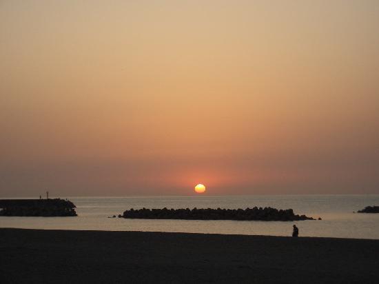 Kashiwazaki, Japón: 夕日がとにかくキレイ