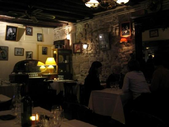 Hotel des Grandes Ecoles: La Volcan restaurant, steps away