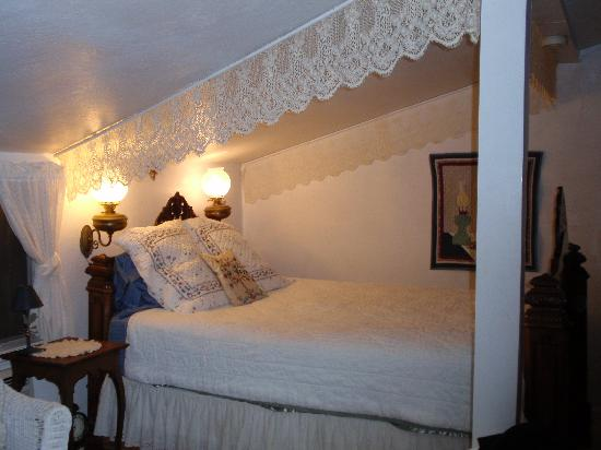 Meadow Creek Ranch Bed and Breakfast Inn: lettone comodo