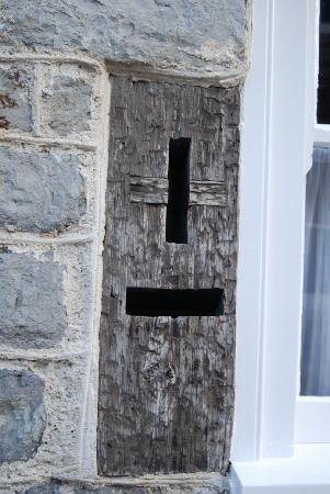 Old Lyme Guest House: Was this the letter box where Jane Austen posted a 1804 letter from Lyme?