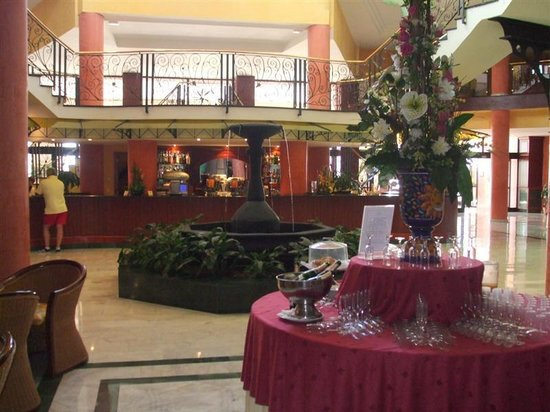 Bahia Principe Tenerife: The Adeje lobby bar