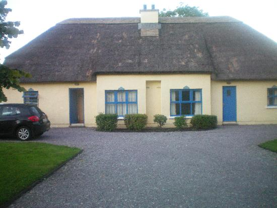 Old Killarney Cottages: old killarney