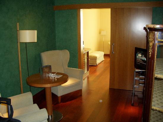 "Hotel Montecarlo Barcelona: Rm. 310 ""sitting room"" - very comfy"