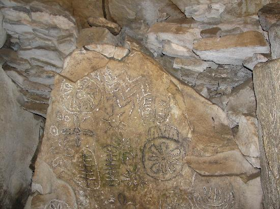 Loughcrew Megalithic Cairns: More interior rock carvings