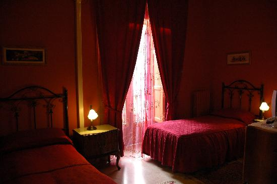 Hotel Alessandra: Dormitorio