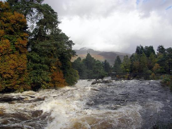 Arrochar Hotel: Falls at Killin