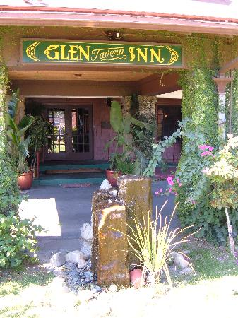 Glen Tavern Inn: What a nice looking place!