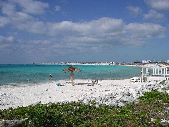 Sol Cayo Largo: The Beach