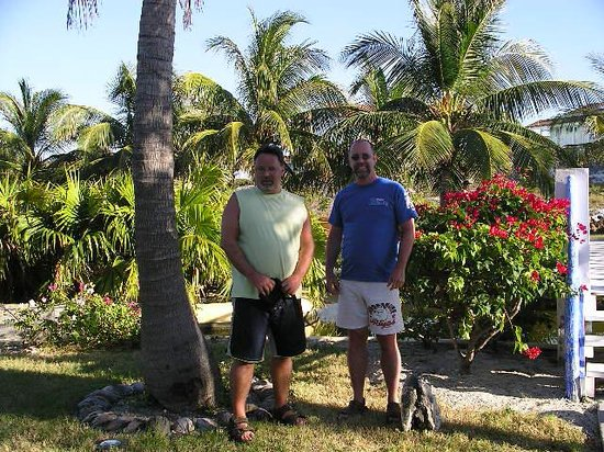 Sol Cayo Largo: Pat and Ray