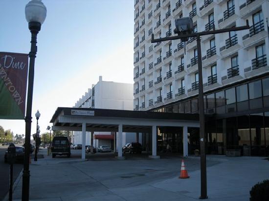 Pullman Plaza Hotel Exterior Of The Huntington