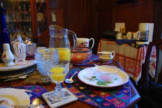 ألبرت بيمبليتس داونتاون تورنتو: Finished Breakfast