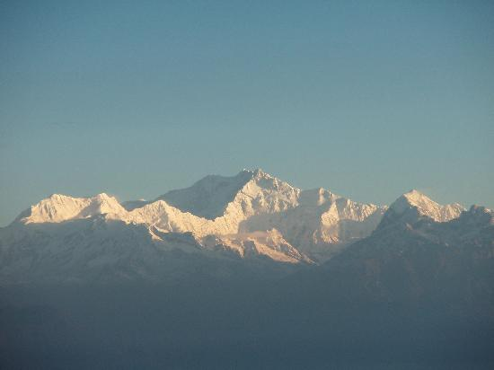 Tiger Hill: Sunrise over Kanchenjunga