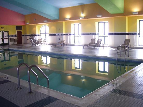 Crowne Plaza Springfield: Pool Area