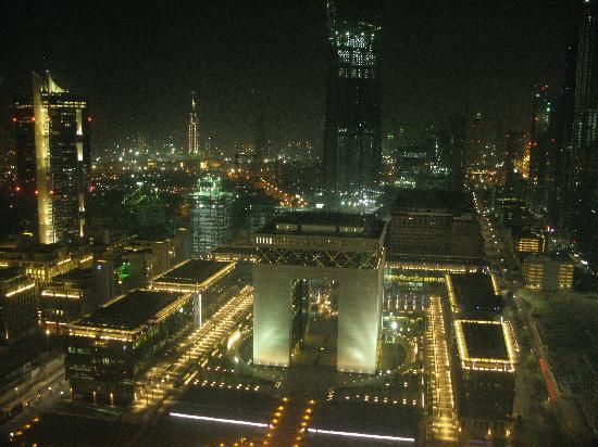 Jumeirah Emirates Towers: View Night