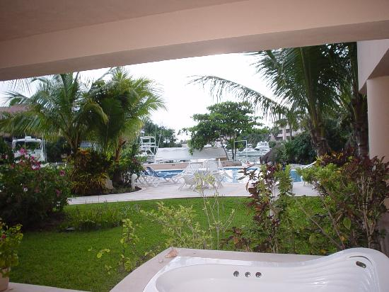 Porto Bello Private Residence Club : Jacuzzi on terrace