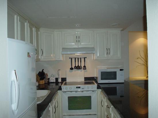 Porto Bello Private Residence Club : Full kitchen