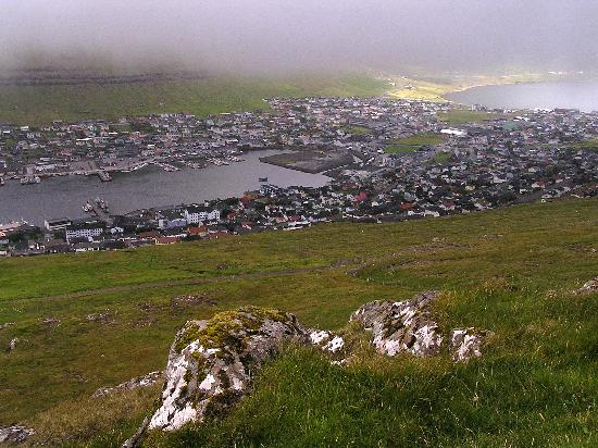 Klaksvik, Kepulauan Faroe: View from the top of the hill