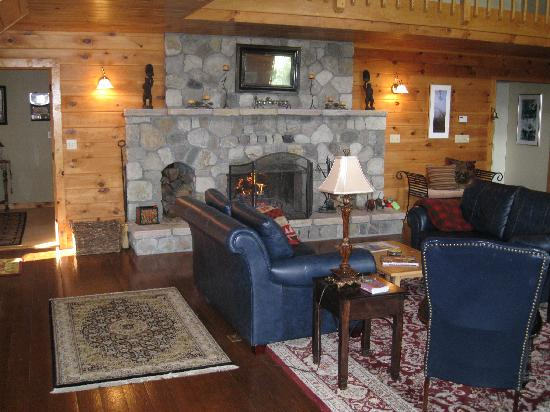Point Au Roche Lodge: The main lounge