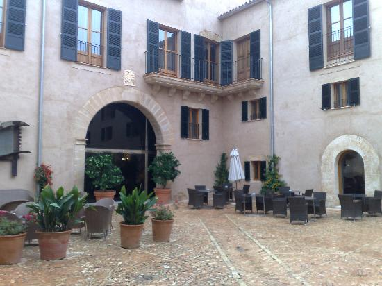 Llucmajor, Spain: courtyard