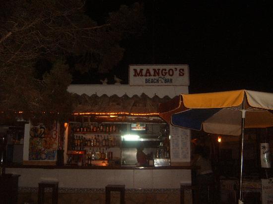 Tropic Garden Aparthotel: the legendary Mangos beach bar