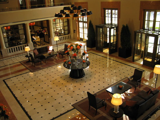 Four Seasons Hotel Buenos Aires: The lobby