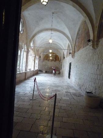 Franciscan Monastery: 廊下