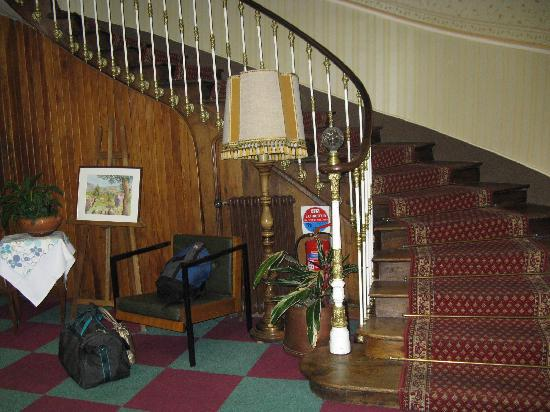 Hotel Lons: Staircase
