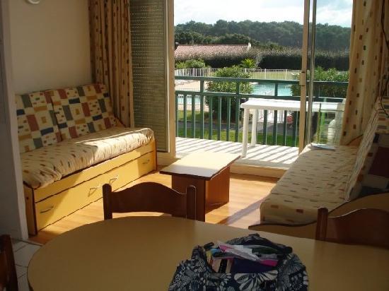 Residence Mer & Golf Ilbarritz : Room