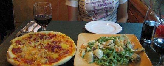 Little Italy: ピザとパスタ!絶品!