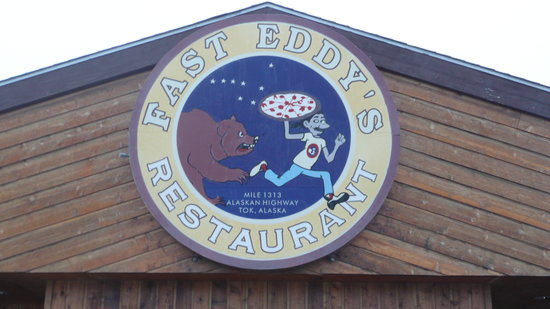 Fast Eddy's Restaurant: Try the Pizza! You won't regret it!