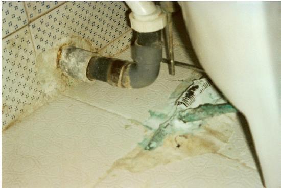 Hotel Samara: der Abfluß im WC, und was ist denn da noch zu sehen???