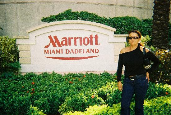 Miami Marriott Dadeland: front