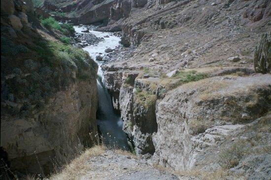 Cotahuasi River Canyon: Cañon de Cotahuasi 3535 msnm