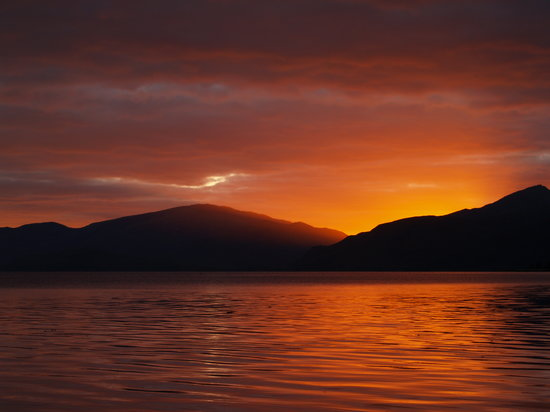Onich, UK: Sunset on Loch Linnhe