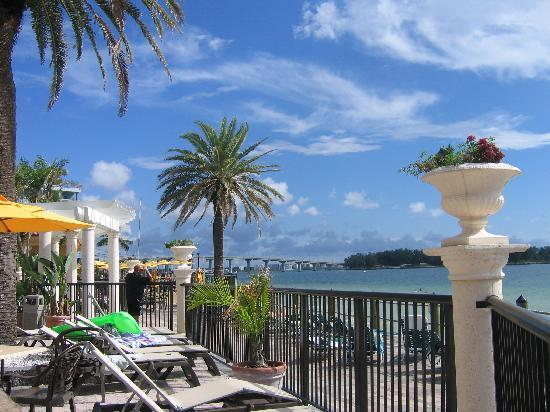 Holiday Inn Hotel & Suites Clearwater Beach : Patio Area