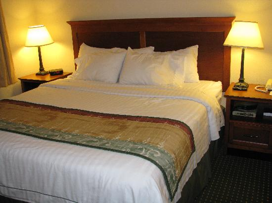 TownePlace Suites Sioux Falls: Comfortable bed