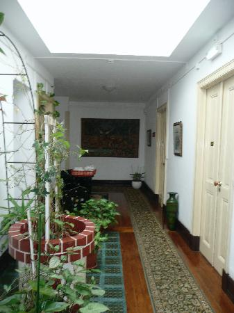Residencial O Alentejo: hallway outside of our room