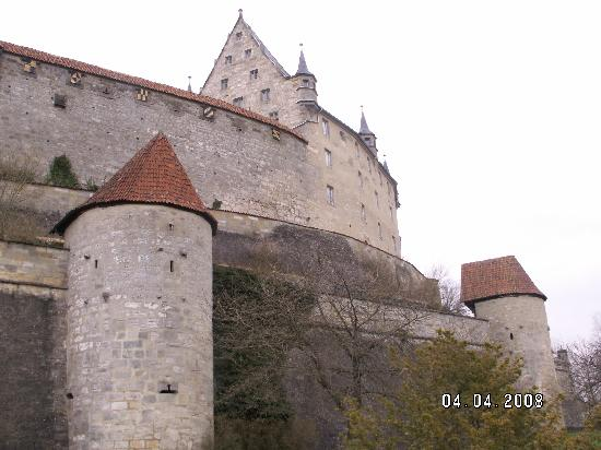 Veste Coburg : The castle from the grounds outside
