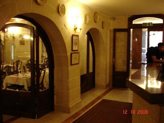 Osborne Hotel: entrance hall