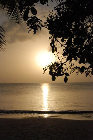 Pigeon Island: Sunset from the beach