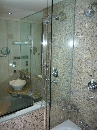 The Club Hotel & Spa: Bathroom