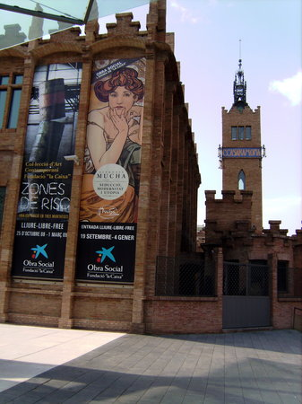 Photo of Tourist Attraction CaixaForum at Av. Ferrer I Guardia, 6-8, Barcelona 08038, Spain