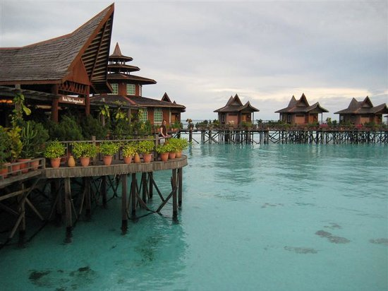 Mabul Water Bungalows: Resort