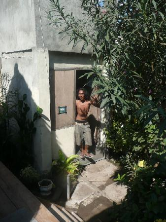 Edy Homestay: Herman, the guy that runs the place