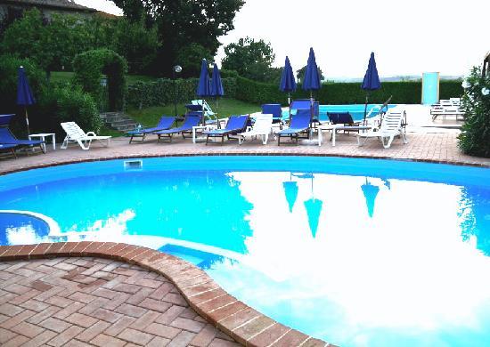 Tenuta Badia '99: piscina