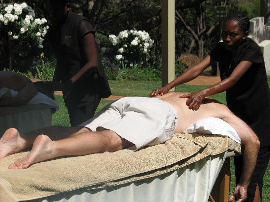African Pride Mount Grace Country House & Spa : MASSAGE BY THE POOL