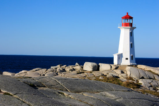 Peggy's Cove Lighthouse : The lighthouse again